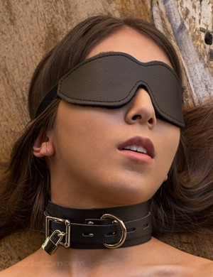 Vondage Vegan Polyfleece-Lined Blindfold