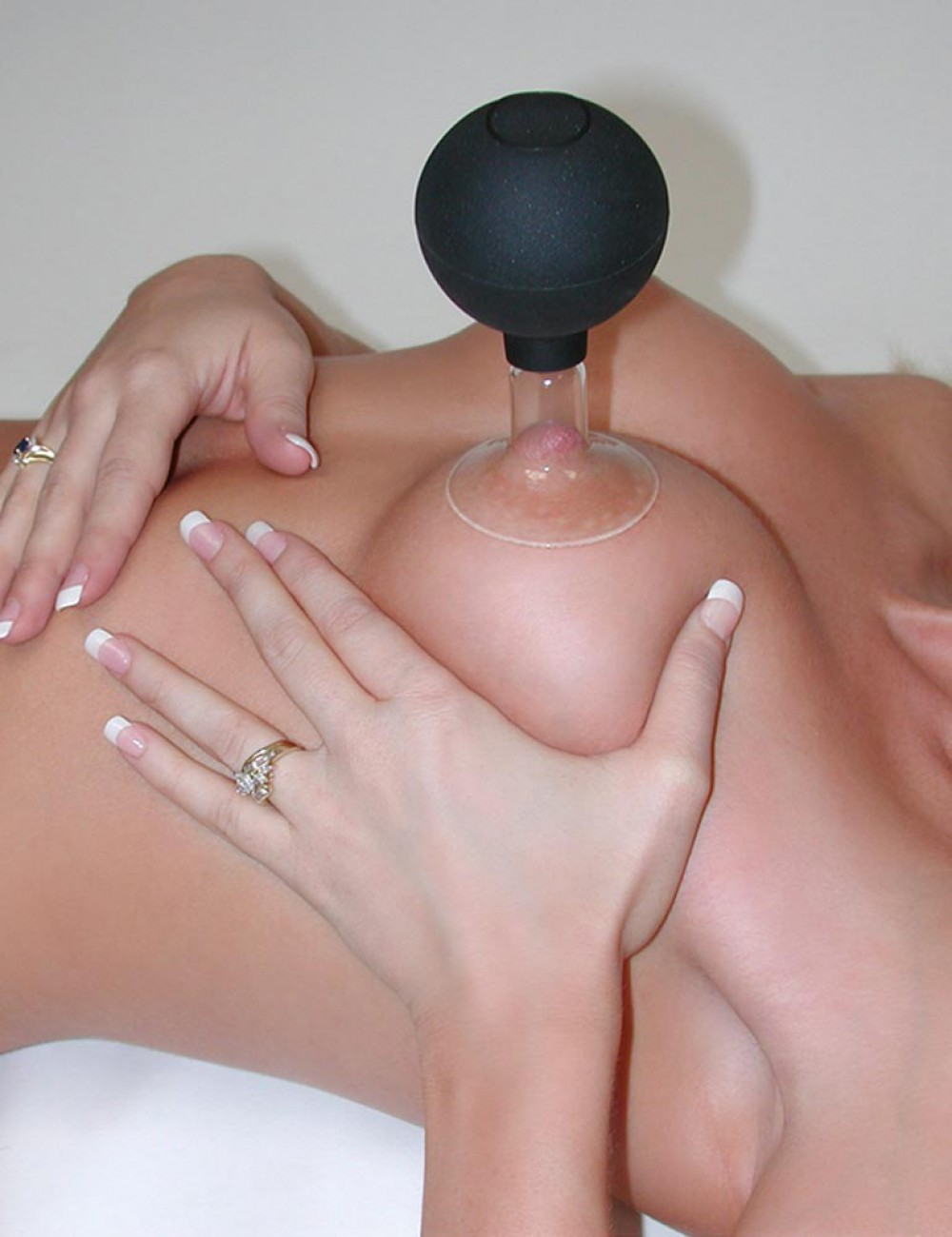Nipple Suction Device