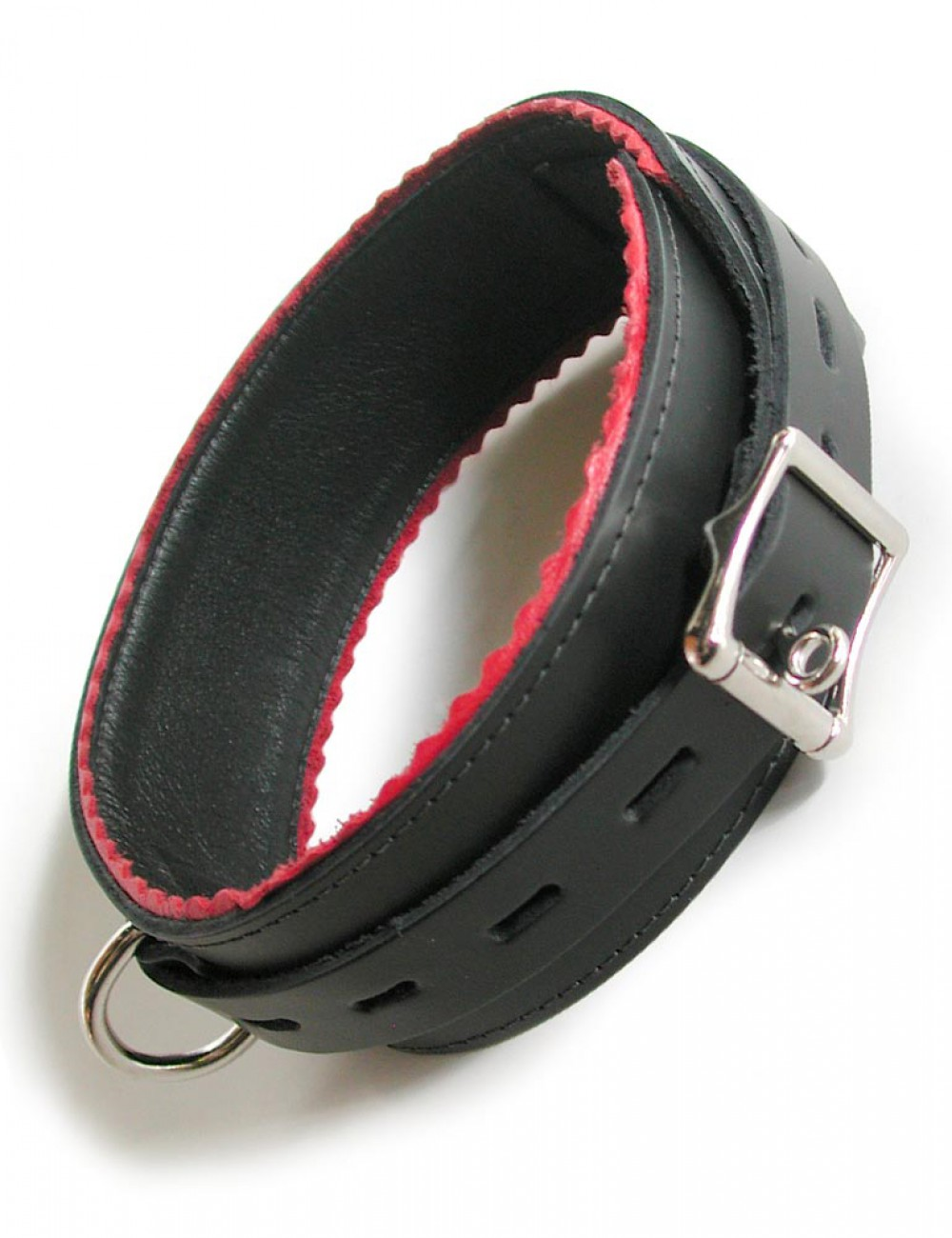 Collar w/ Red Scalloped Edge