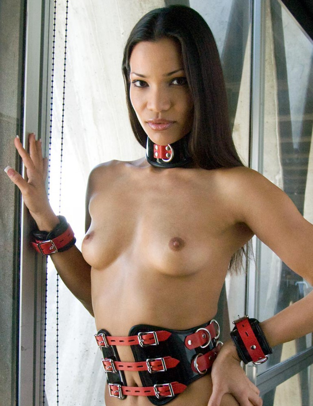 Firecracker Patent Leather Wrist Restraints (R)