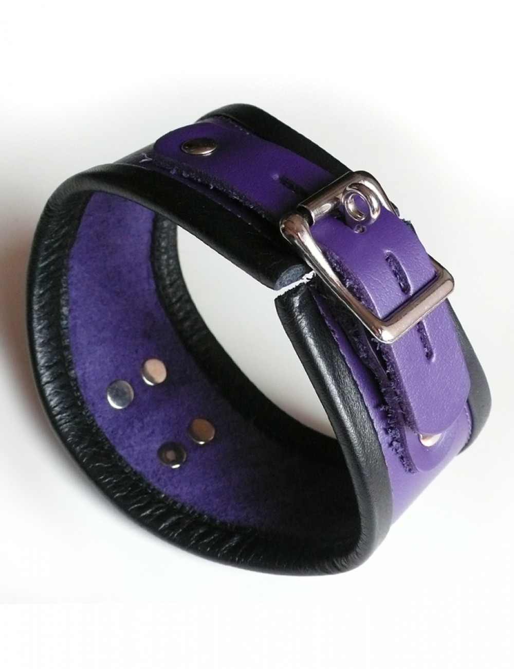 Short Locking Curved Posture Collar in Purple Leather with B