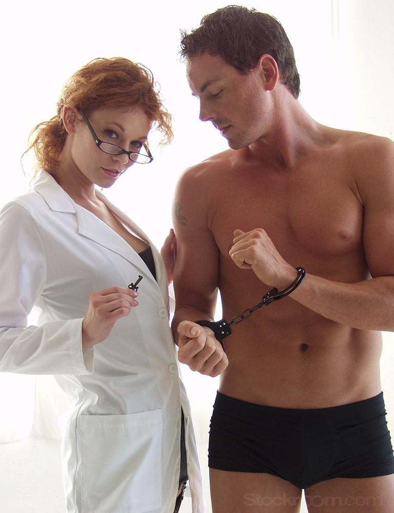 Basic Handcuffs, Black - Justine Joli