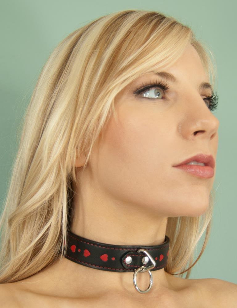 Black Leather Collar with Heart Inlay