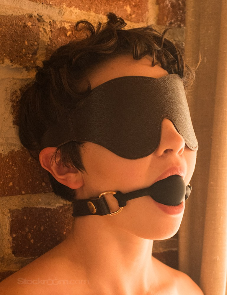 Brown Leather Classic Cut Blindfold