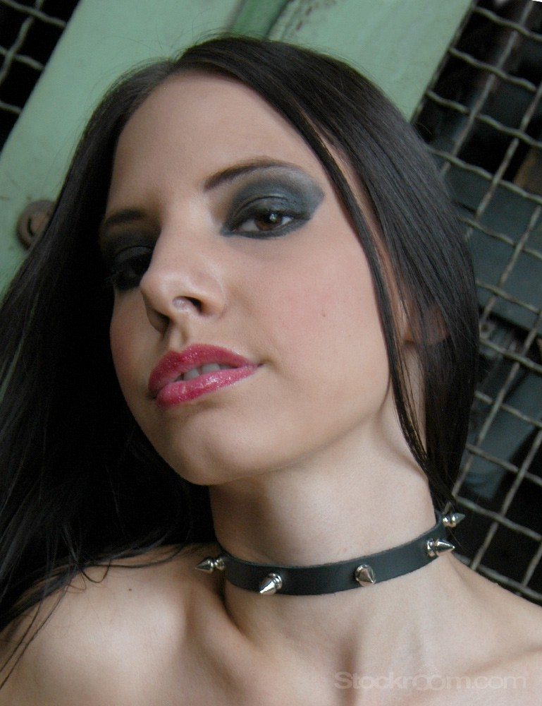 Spiked Leather Choker with D-Ring - Kiki Klement