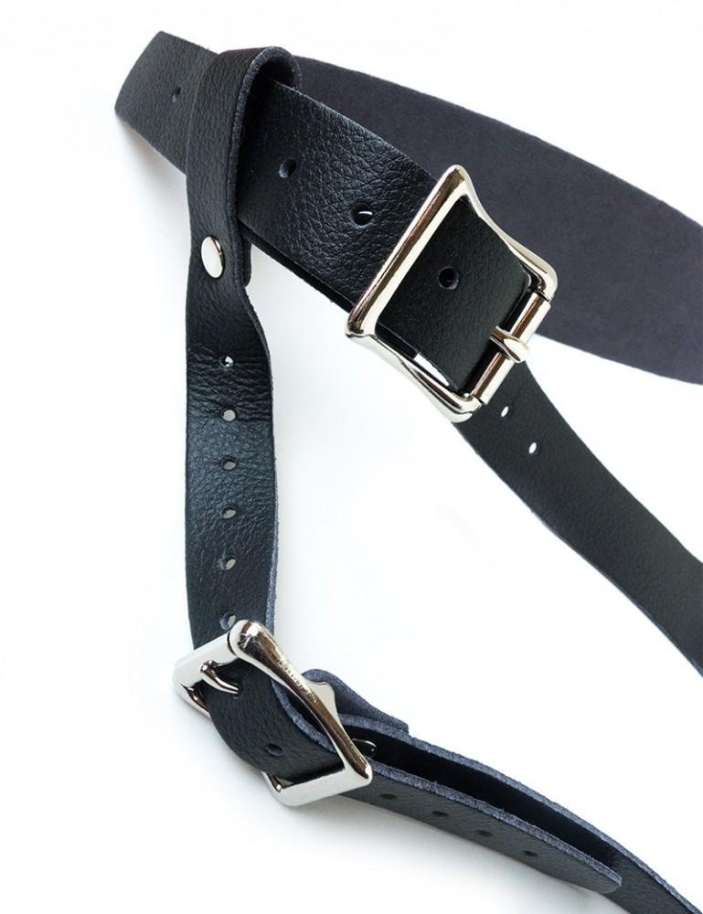 Vondage Vegan Leather Strap-on Dildo Harness, Low Rise